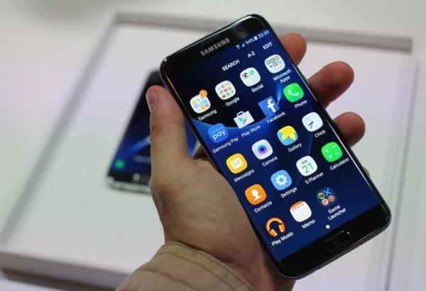 Samsung S7 e S7 Edge, pronti per l'aggiornamento a Nougat 7.1