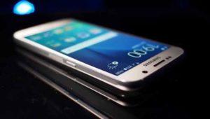 Samsung Galaxy S8, la presentazione rimandata a marzo